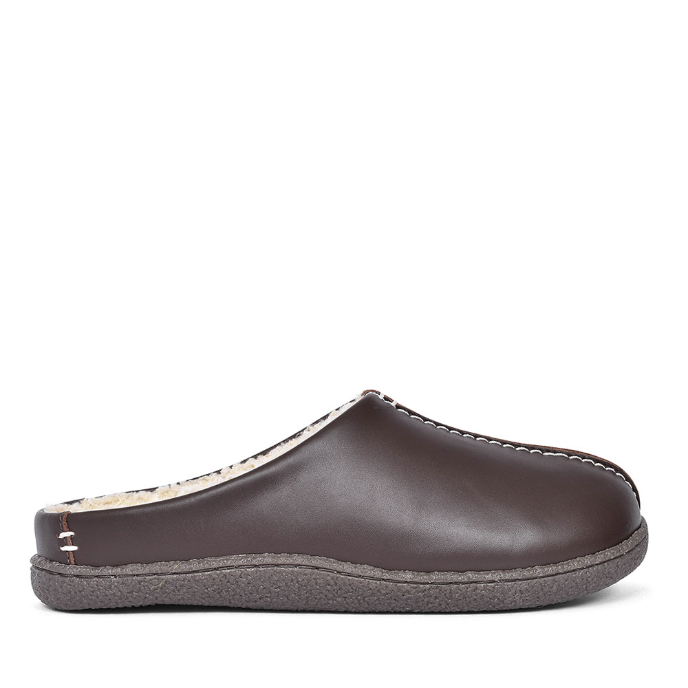 RELAXED STYLE LEATHER SLIPPERS FOR MEN in BROWN