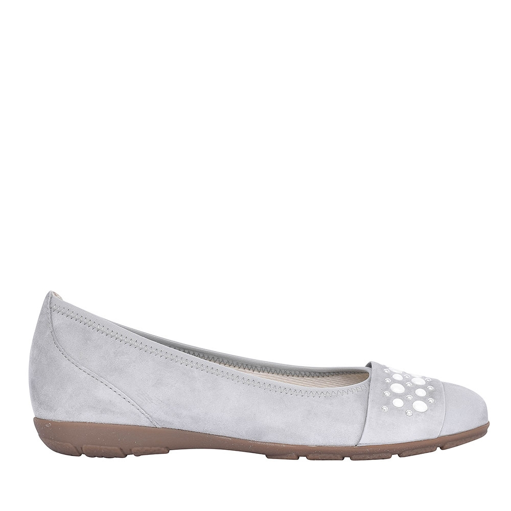 84.166 ELECTRA WOMENS BALLERINA PUMPS in STONE