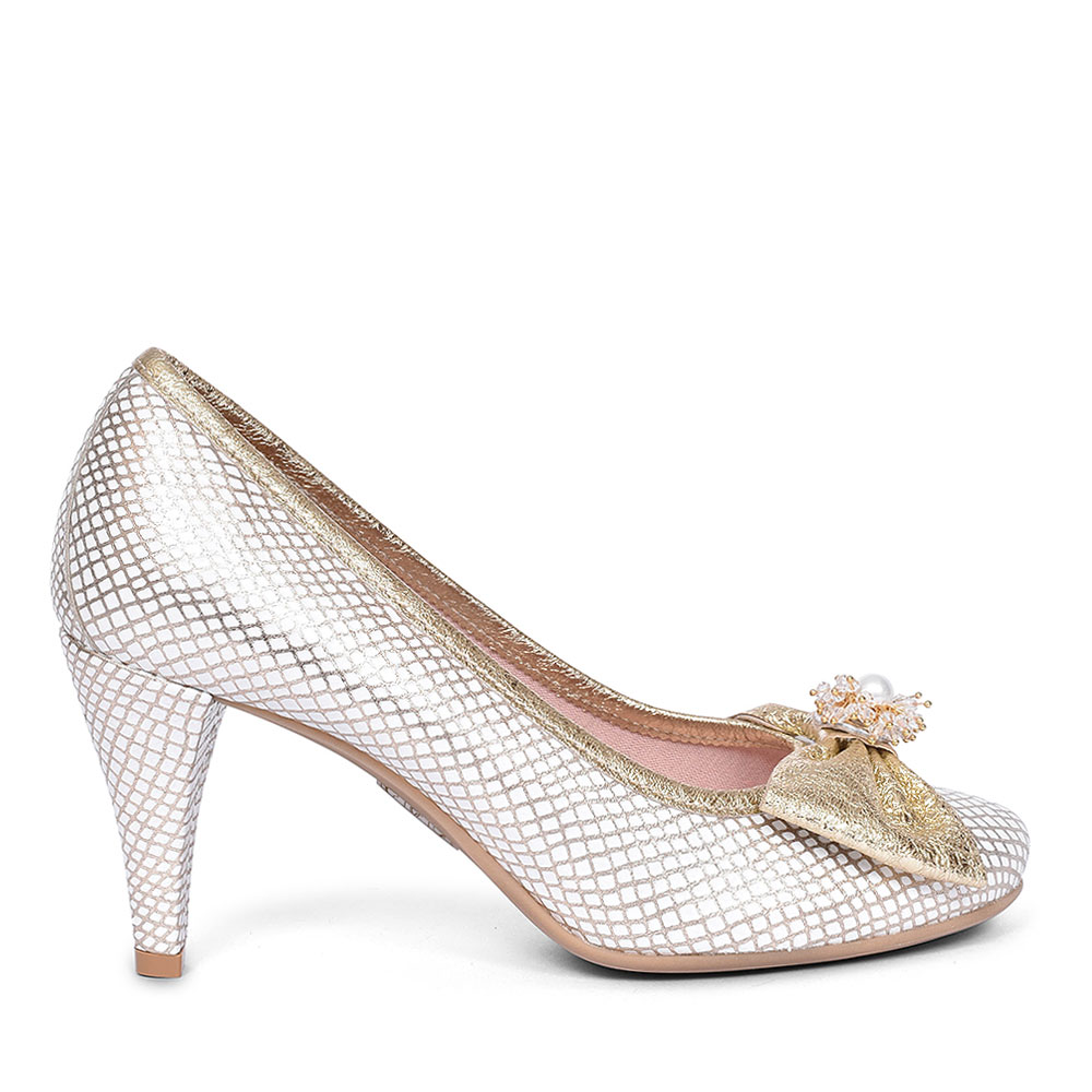 4024 BOW COURT SHOE FOR LADIES in GOLD