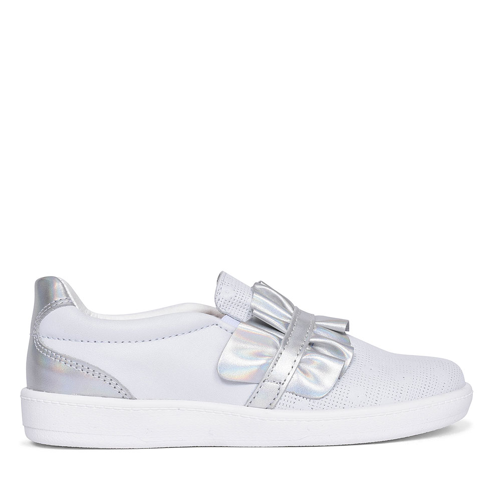 CASUAL SLIP ON SHOE FOR GIRLS in SILVER