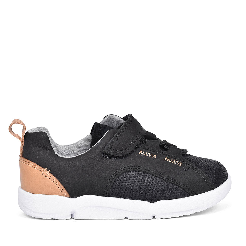 TRI LEAP BLACK LEATHER TRAINER FOR BOYS in KIDS G FIT
