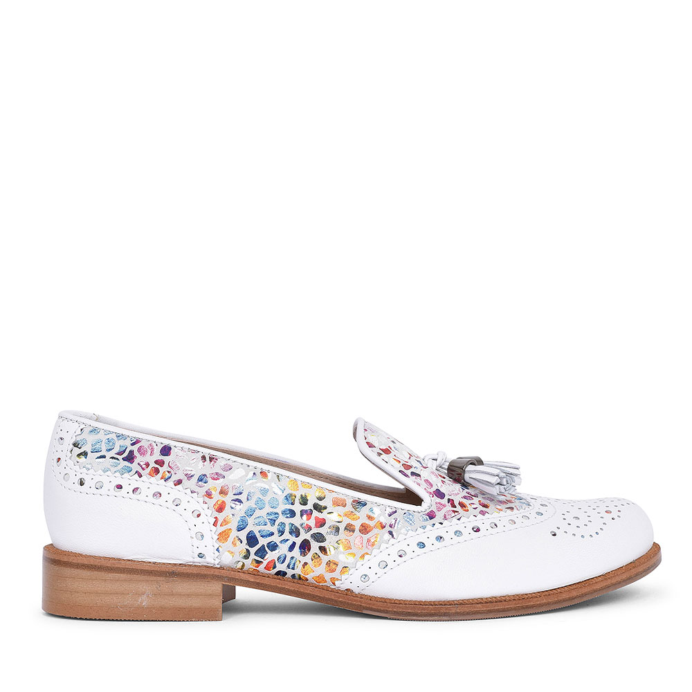 5756 TASSLE BROGUE SHOE FOR LADIES in WHITE