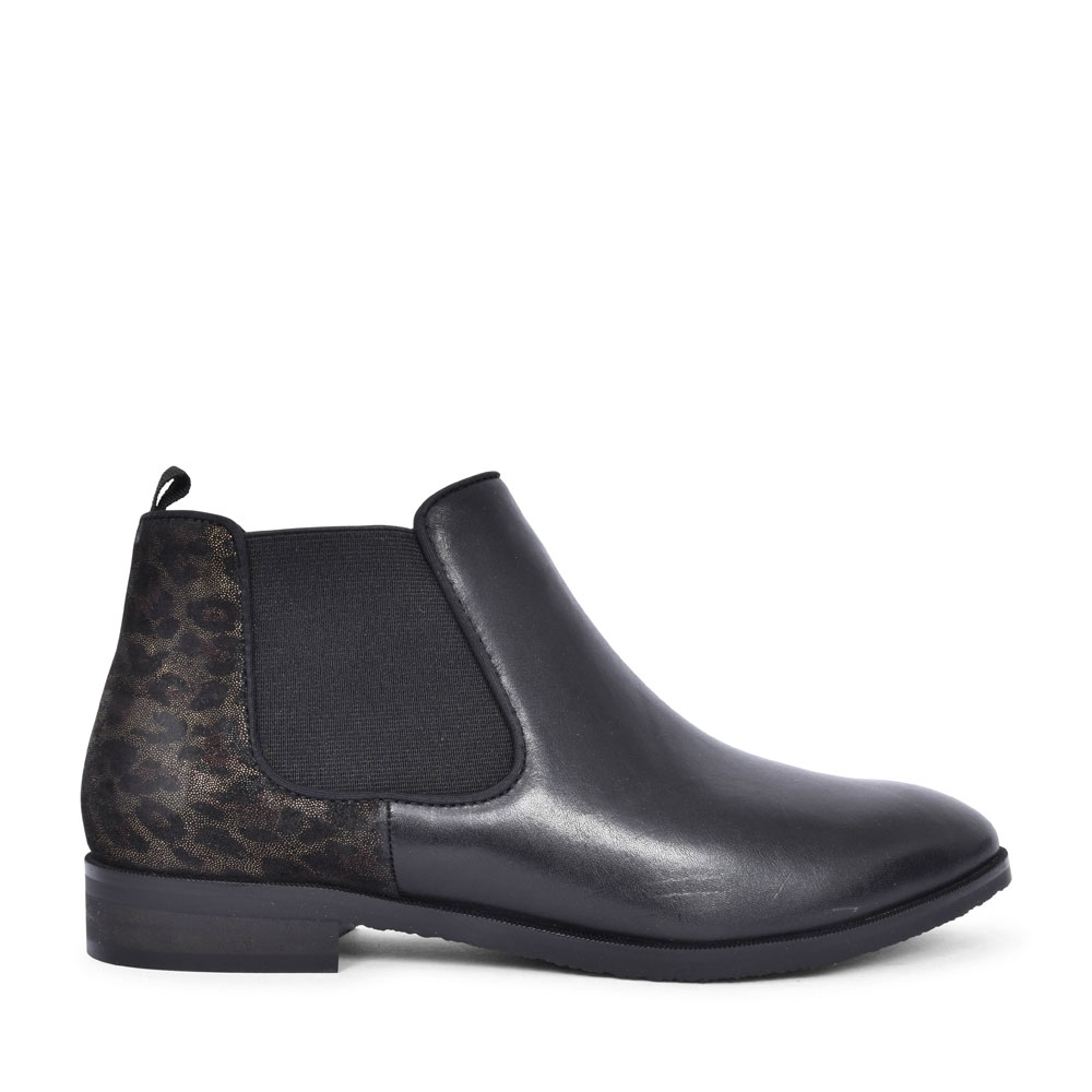 CASUAL CHELSEA BOOT FOR LADIES in BLACK