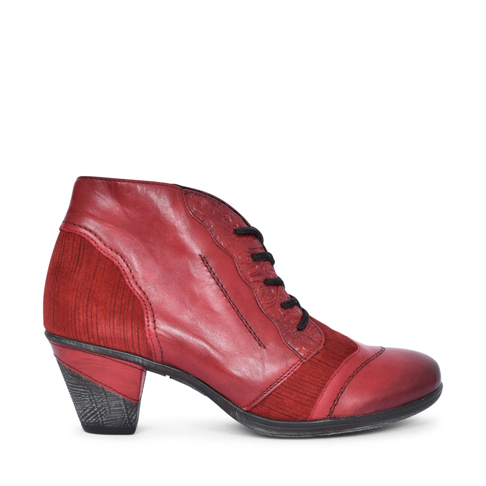 D8789 MEDIUM HEEL LACED ANKLE BOOT FOR LADIES in RED