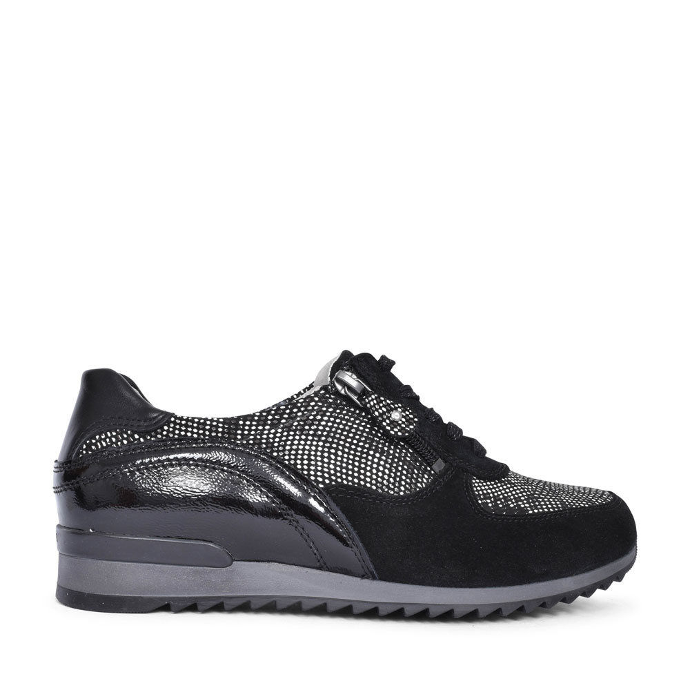 370013 HURLY LACED TRAINER FOR LADIES in BLACK