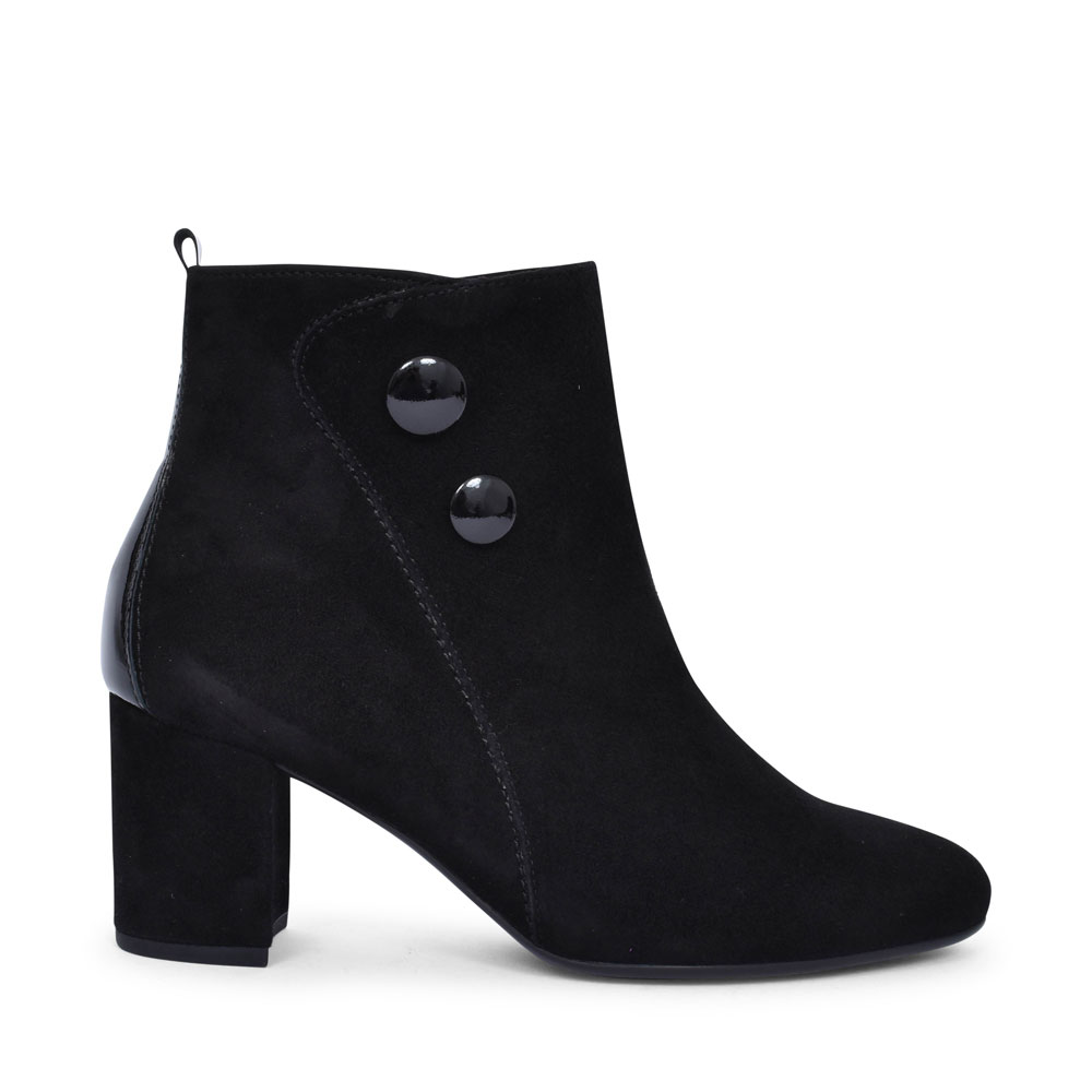 35.802 HIGH HEEL BUTTON DETAIL ANKLE BOOT FOR LADIES in BLACK