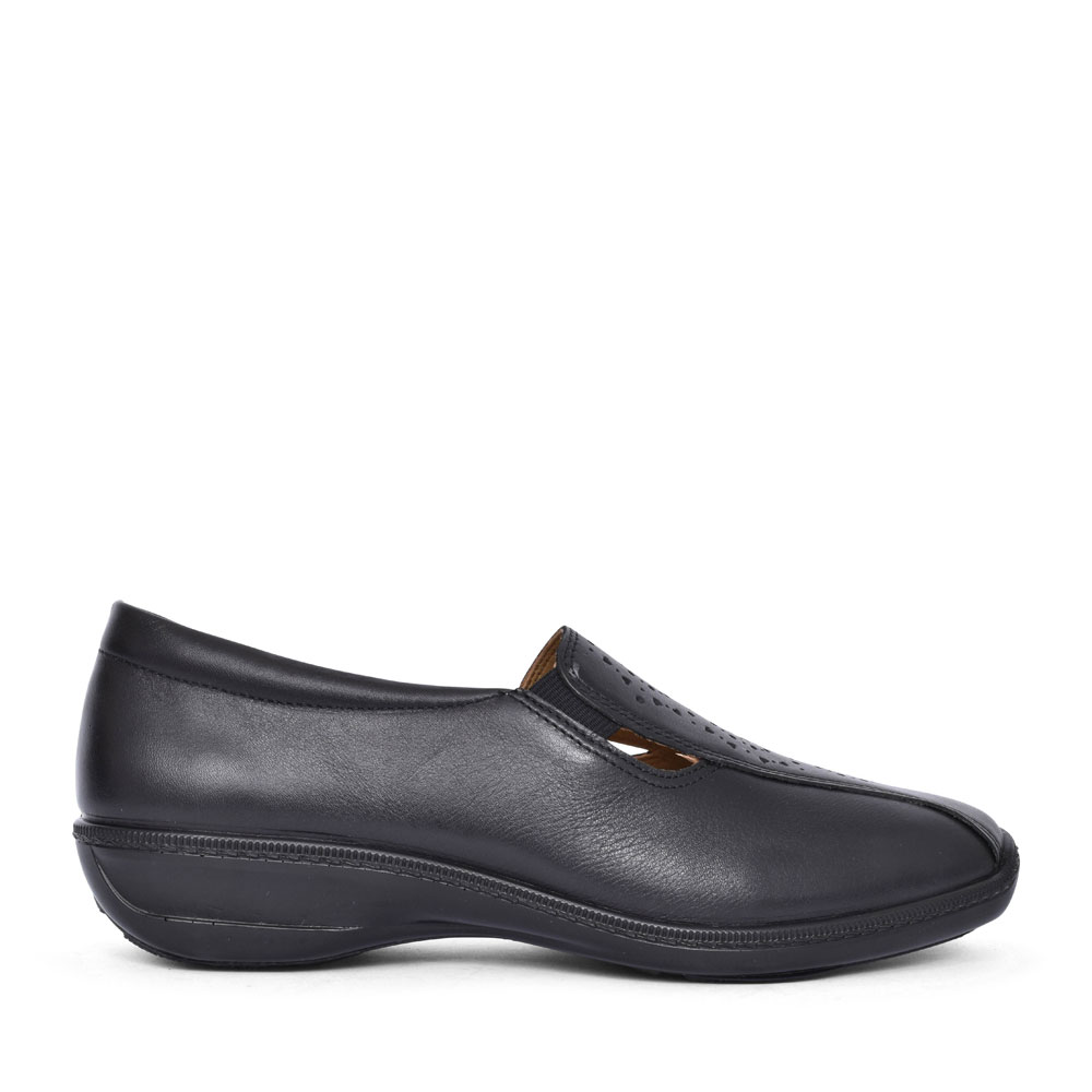 CALYPSO LEATHER CASUAL SLIP ON SHOE FOR LADIES in BLACK