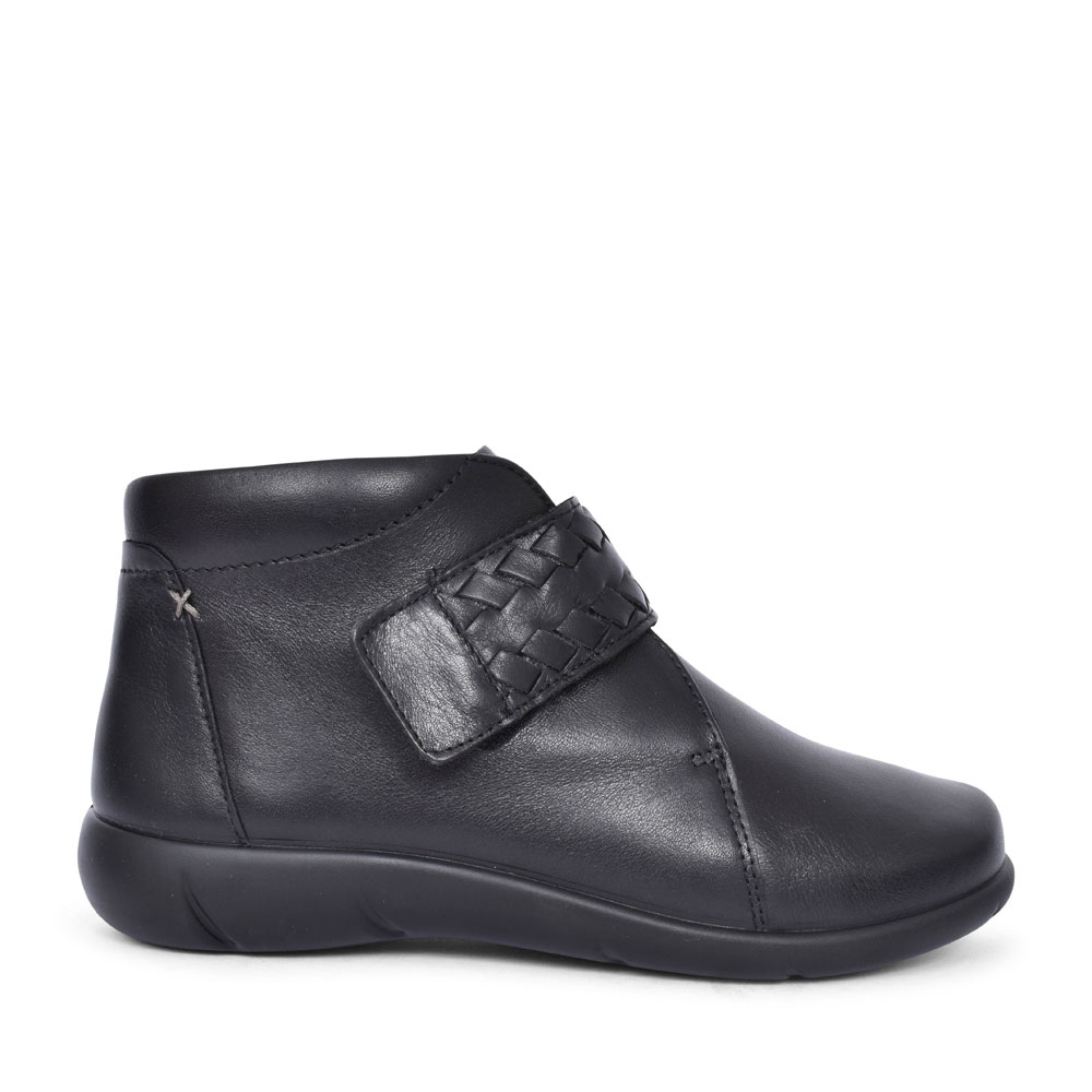 DAYDREAM EXTRA WIDE LEATHER ANKLE BOOT in BLACK