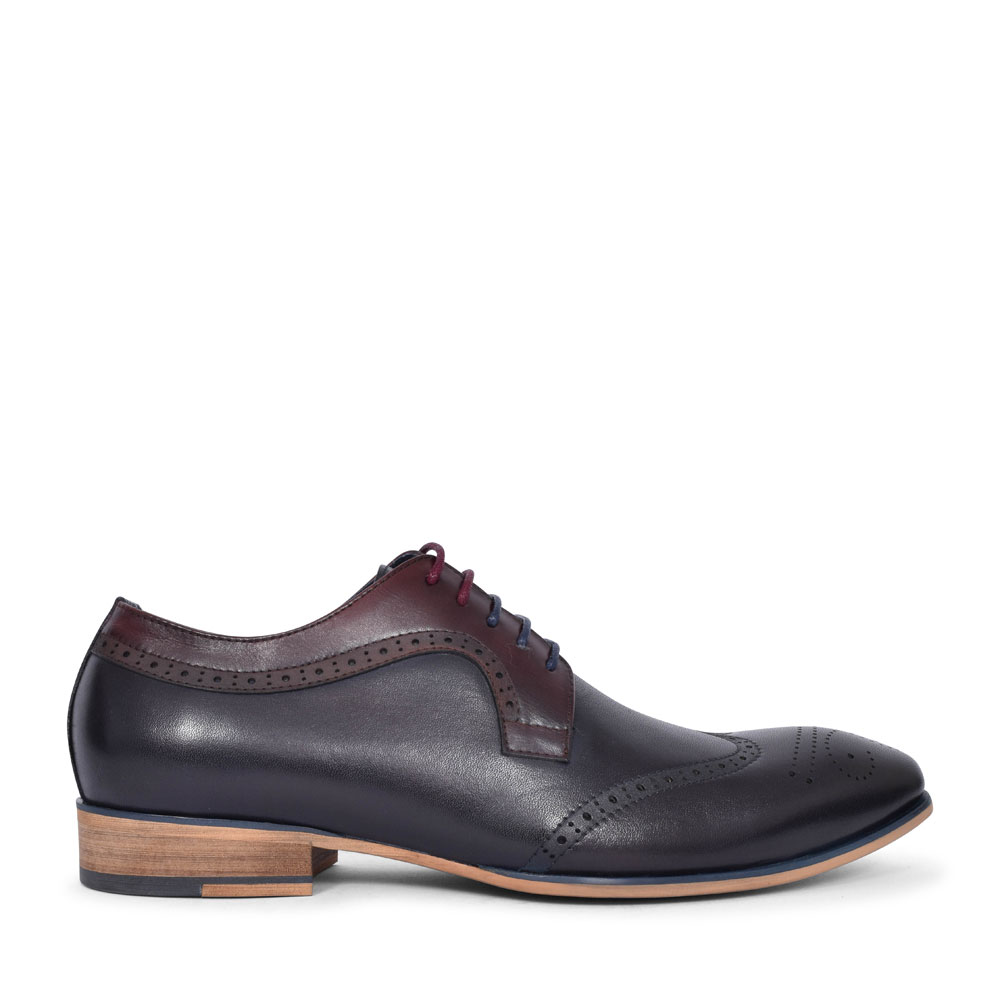 TWICKENHAM PUNCH DETAIL BROGUE SHOE FOR MEN in NAVY