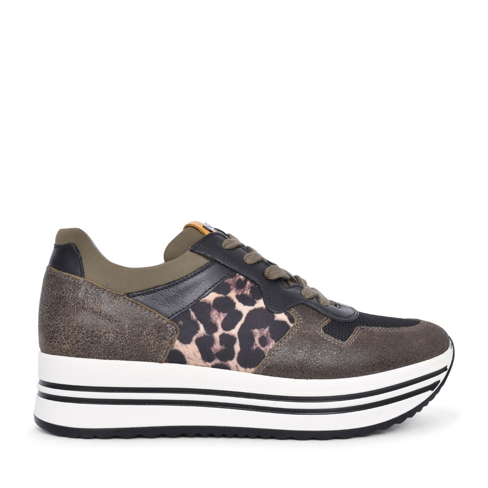 09041 CASUAL LACED TRAINER FOR LADIES in KHAKI