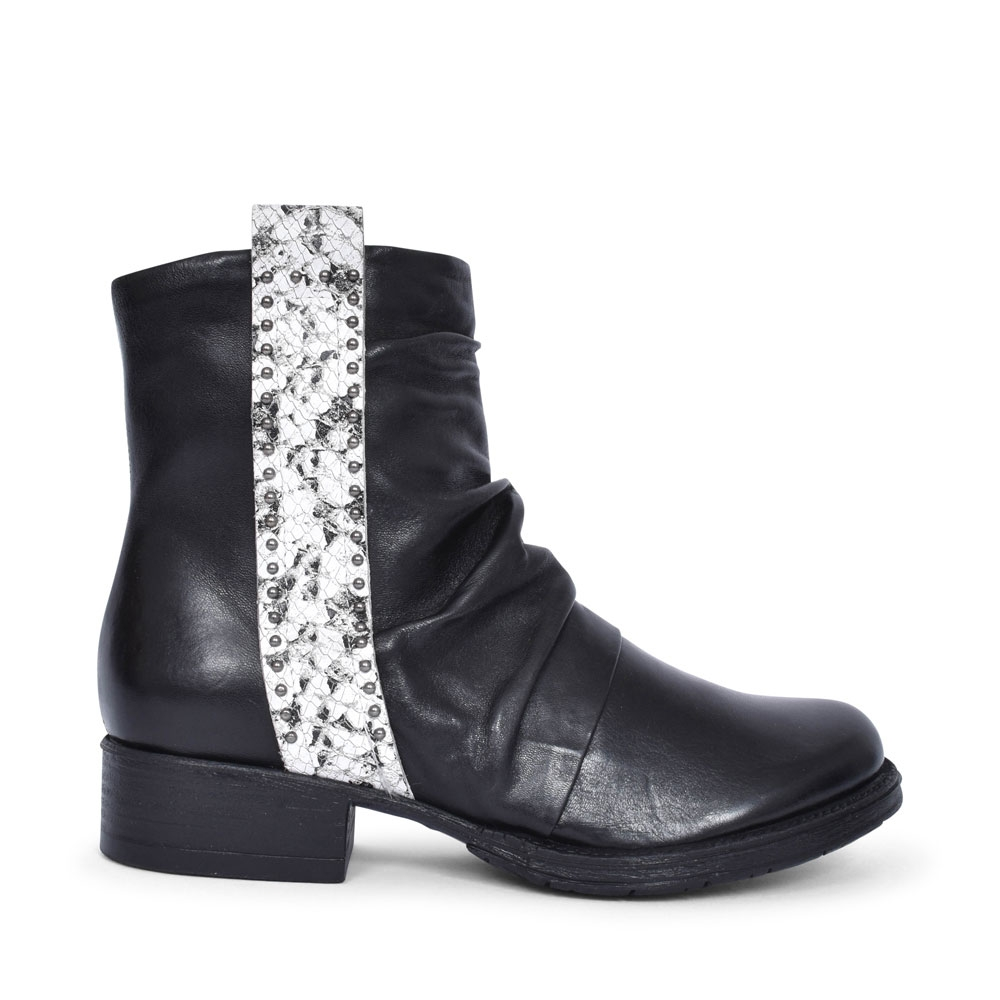 177205 LOW HEEL ANKLE BOOT FOR LADIES in BLACK