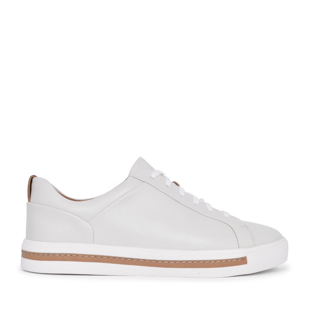 UN MAUI LACE LEATHER D FIT LACED TRAINER FOR LADIES in WHITE