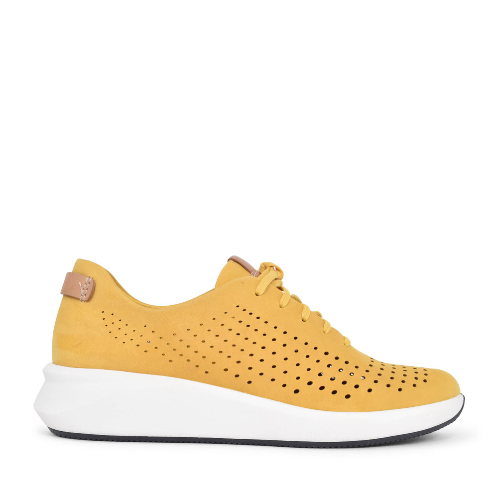 UN RIO TIE NUBUCK D FIT LACED TRAINER FOR LADIES in YELLOW