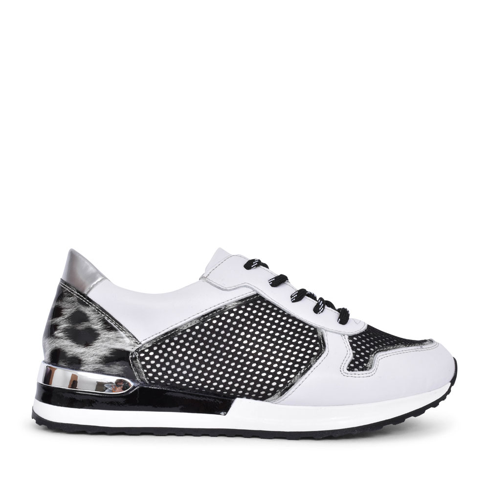 R2512 CASUAL LACED TRAINER FOR LADIES in WHITE
