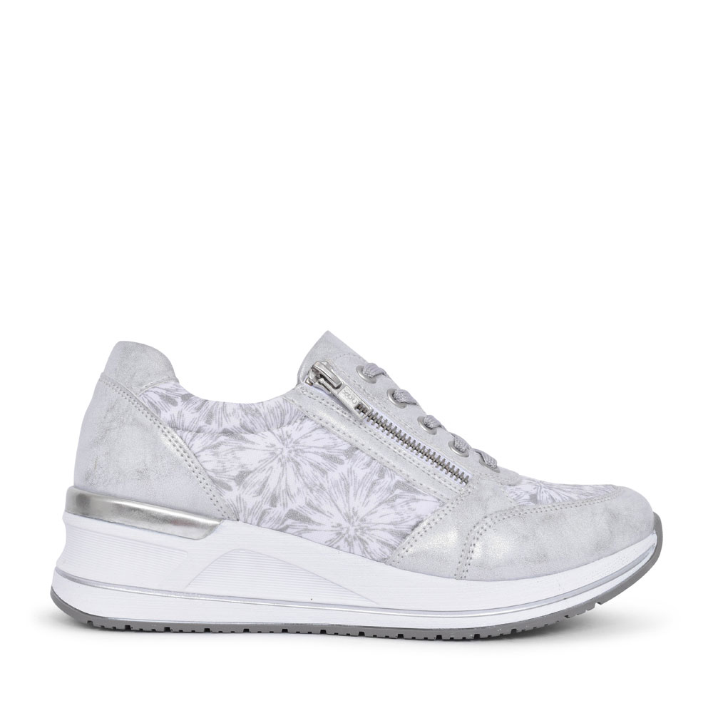 LADIES D3203 LACED WEDGE TRAINER in SILVER