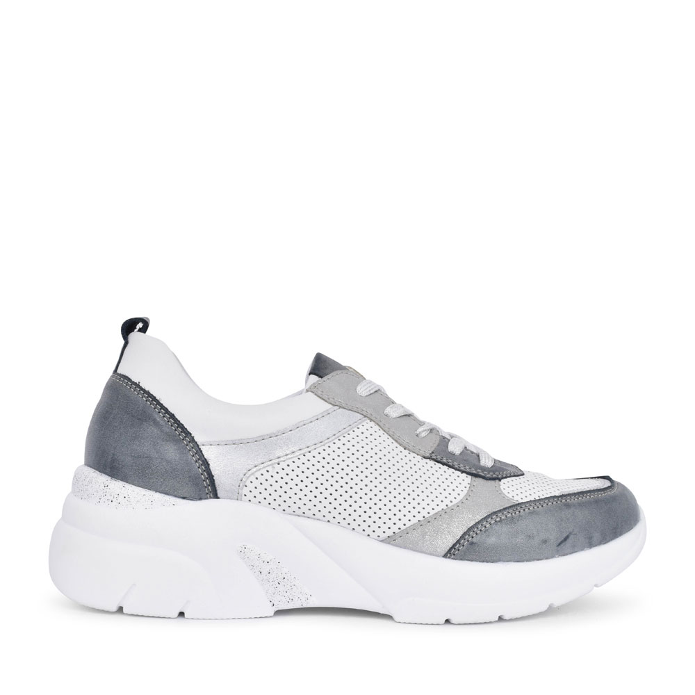 LADIES D4100 LACED WEDGE TRAINER in WHITE