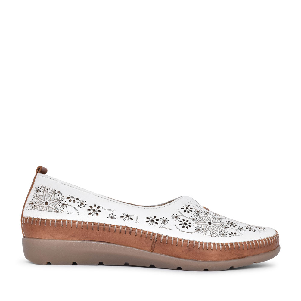 LADIES D1931 PERFORATED SLIP ON SHOE in WHITE