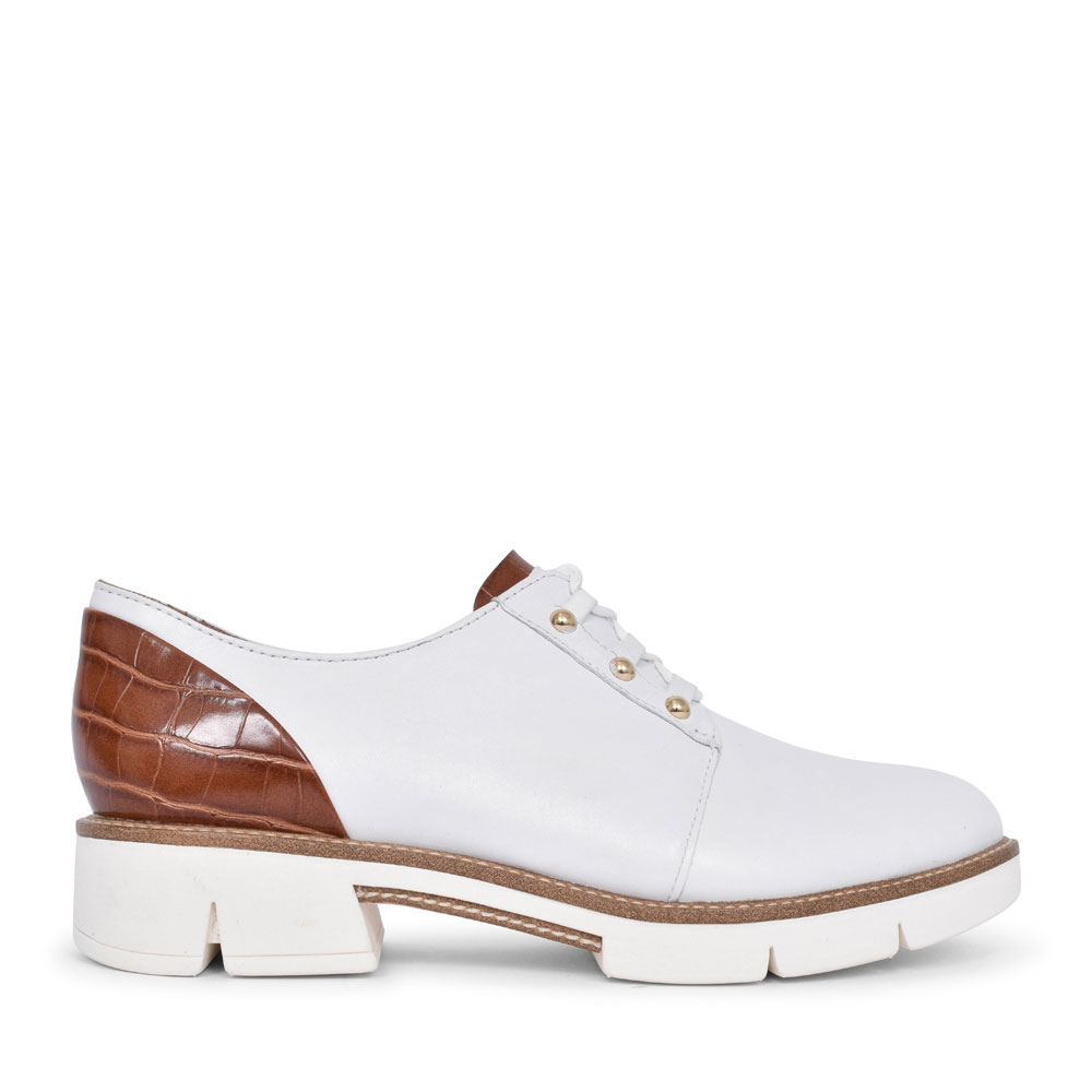 1-23753 CASUAL LACED SHOE FOR LADIES in WHITE