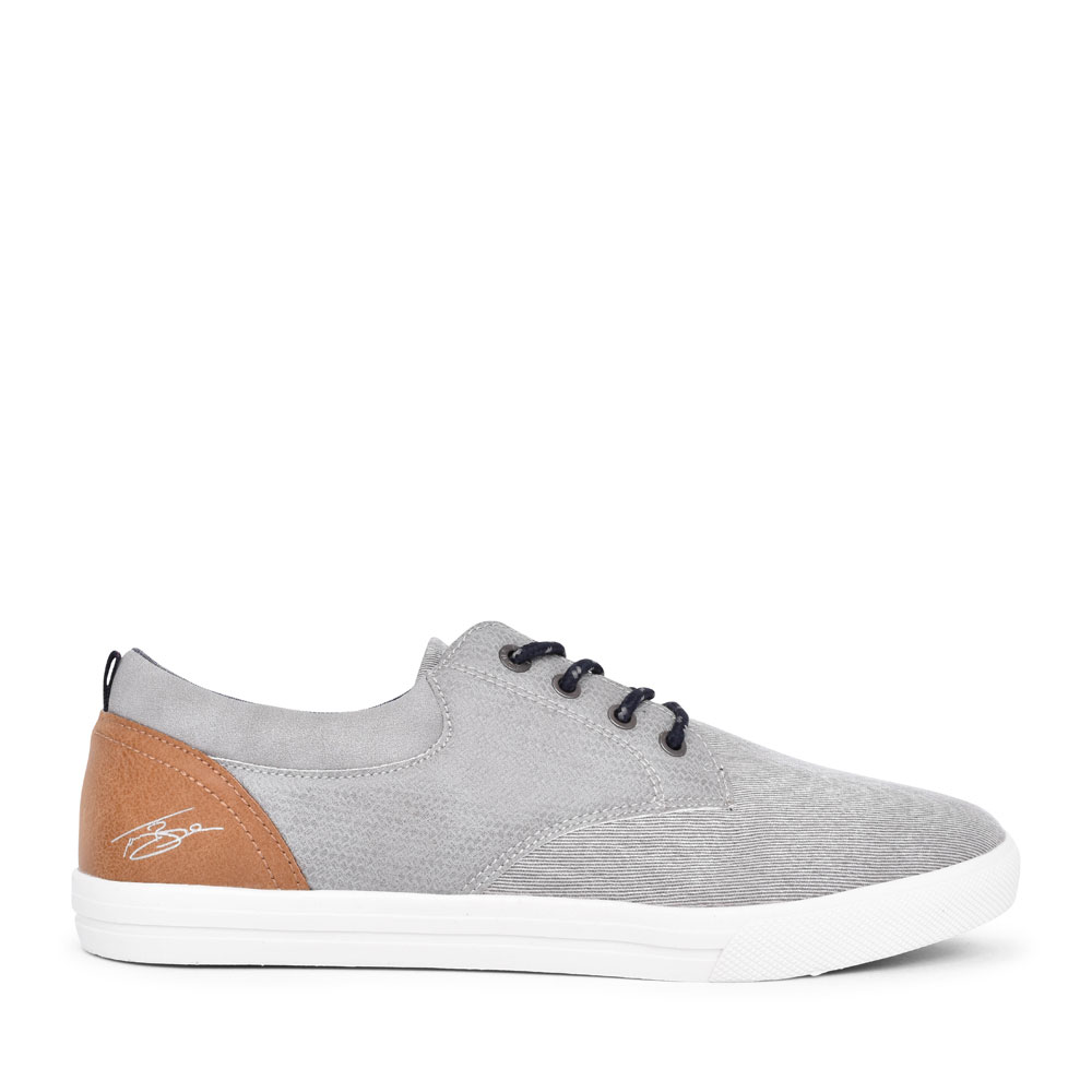 MEN'S CASUAL LACED TRAINER  in GREY