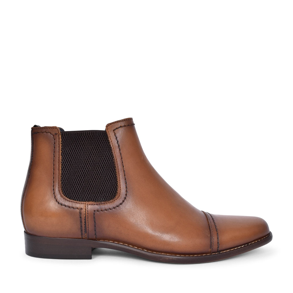 EWING CASUAL CHELSEA ANKLE BOOT FOR in TAN