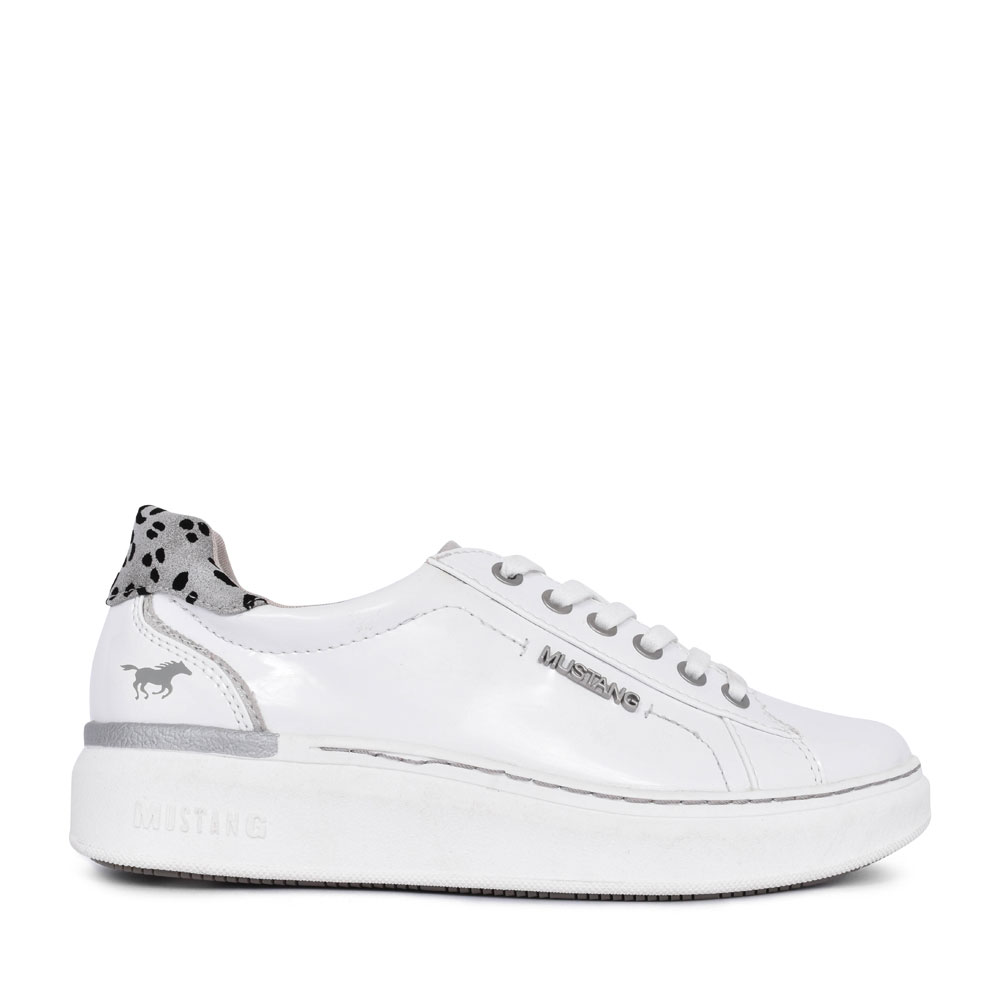 LADIES 1351302 CASUAL LACED SHOE in WHITE