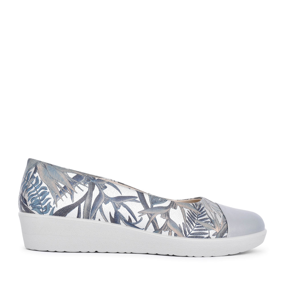 LADIES ANGEL STD. FIT SLIP ON WEDGE SHOE in SILVER
