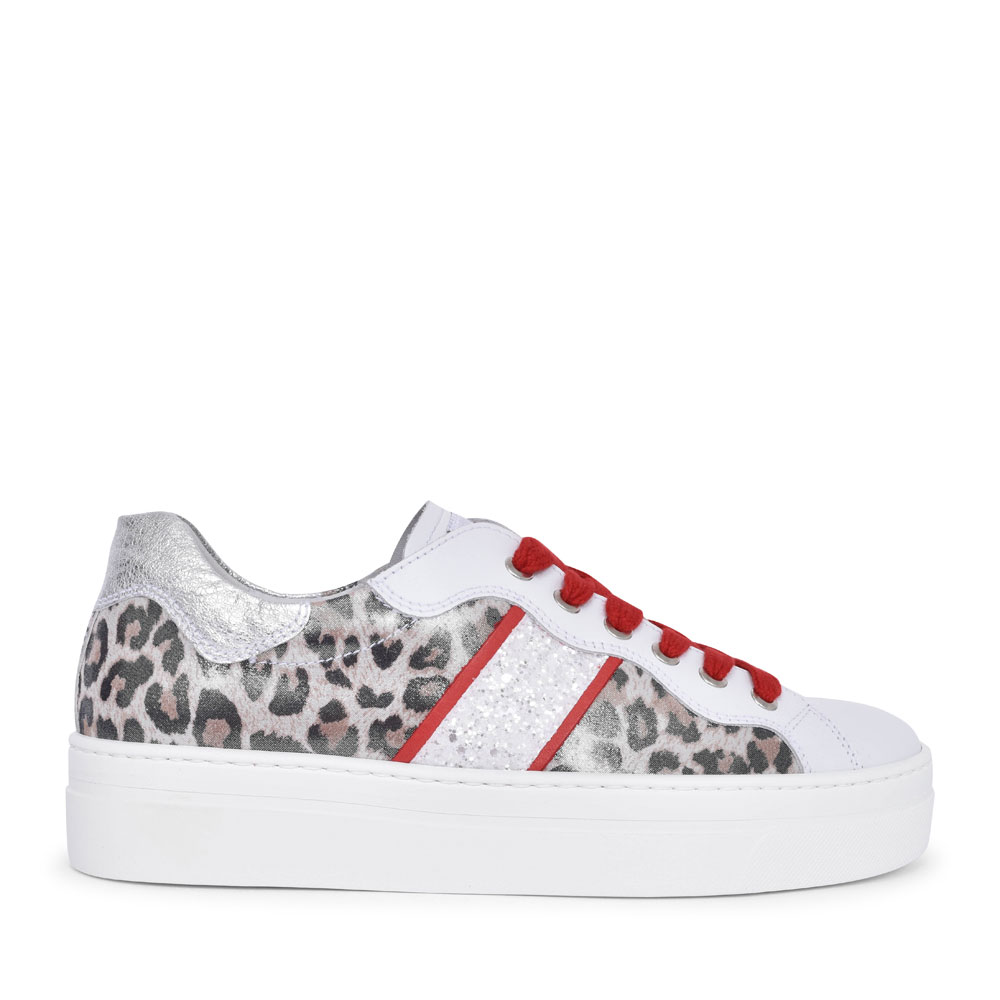 LADIES CASUAL LACED TRAINER in WHITE