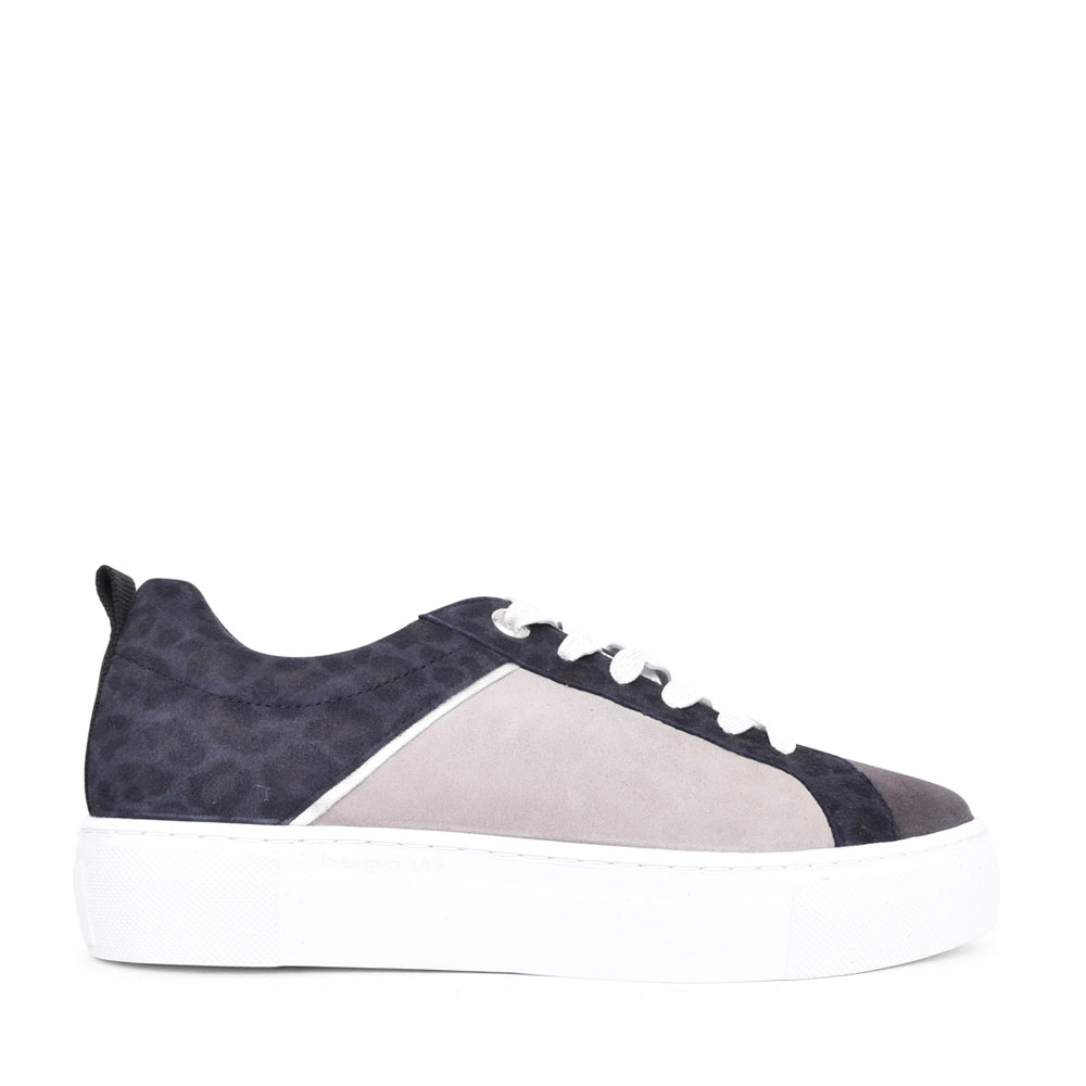 LADIES 88302 LACED TRAINER in GREY
