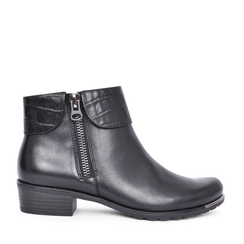 LADIES 9-25310 LOW HEEL ANKLE BOOT in BLACK