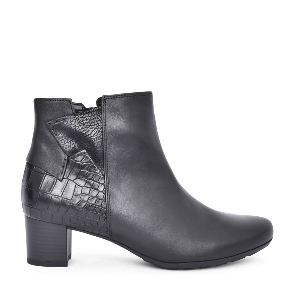 LADIES 52.822 KINGSLEY LOW HEEL ANKLE BOOT in BLACK
