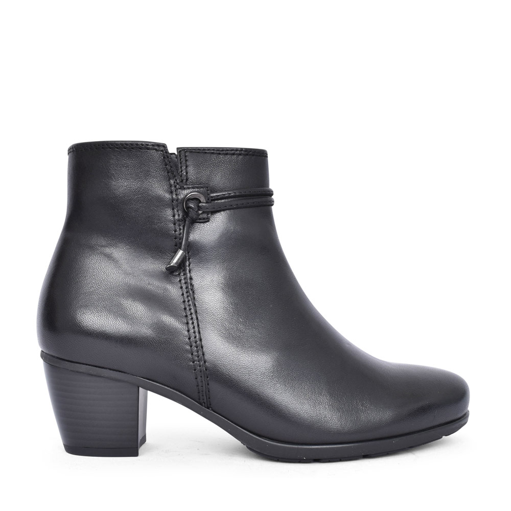 LADIES 55.522 ELA LOW HEEL ANKLE BOOT in BLACK