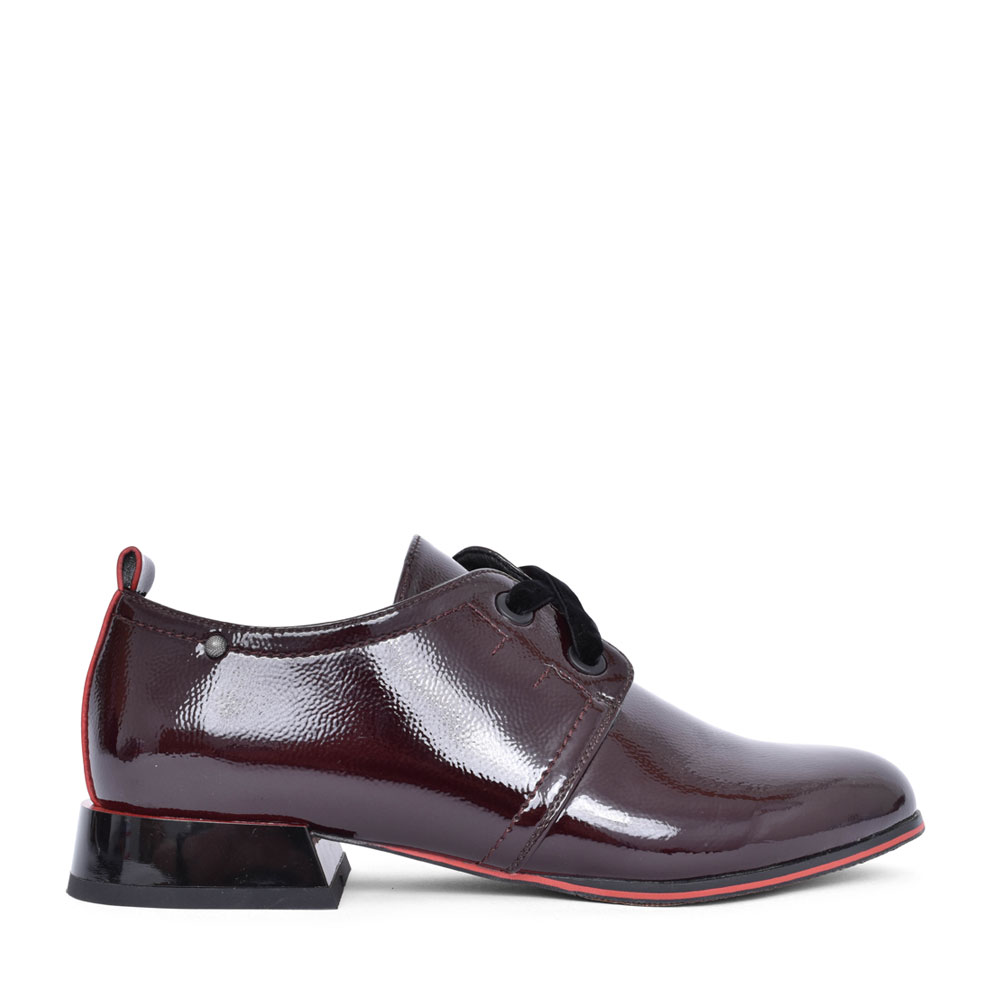 LADIES ZEFTA LACED PATENT SHOE in BURGANDY