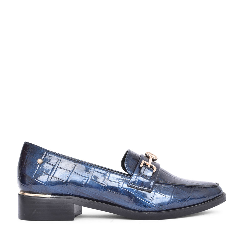 LADIES AMMIK SLIP ON LOAFER  in NAVY