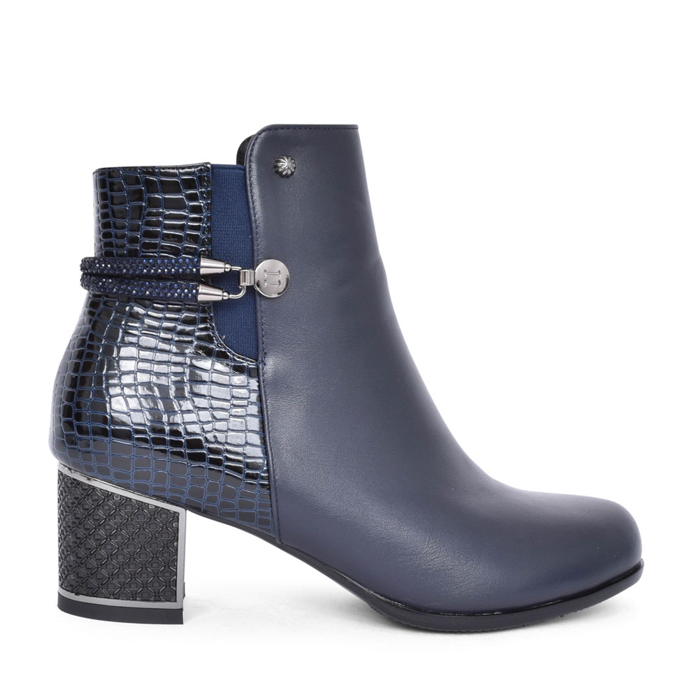 LADIES F1064A LOW HEEL ANKLE BOOT in NAVY