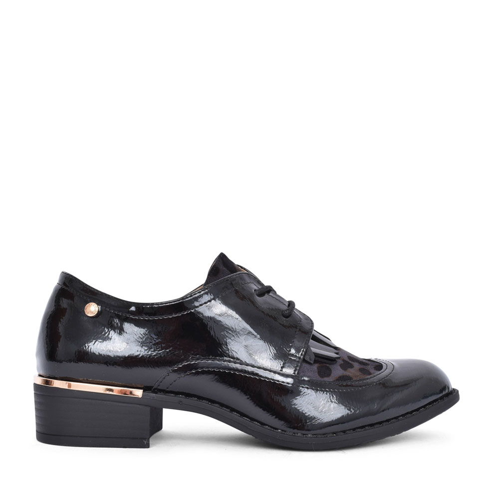 LADIES PIENZA LACED SHOE in BLK PATENT