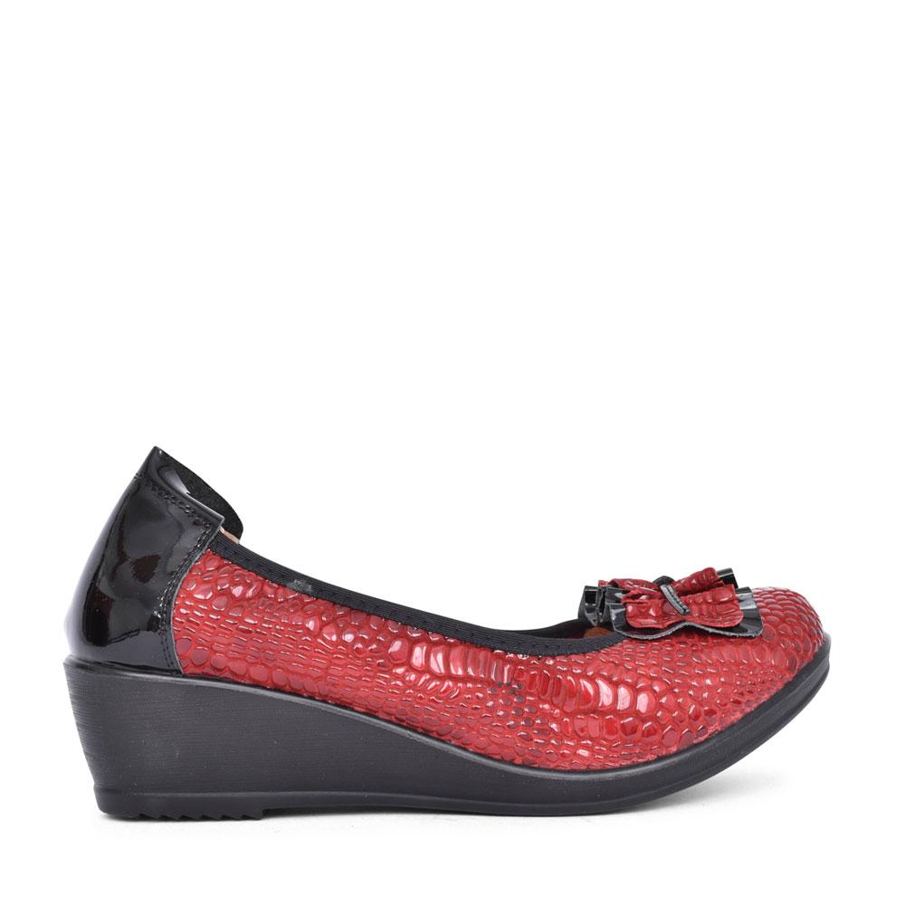 LADIES BIME LOW HEEL SLIP ON WEDGE SHOE in RED