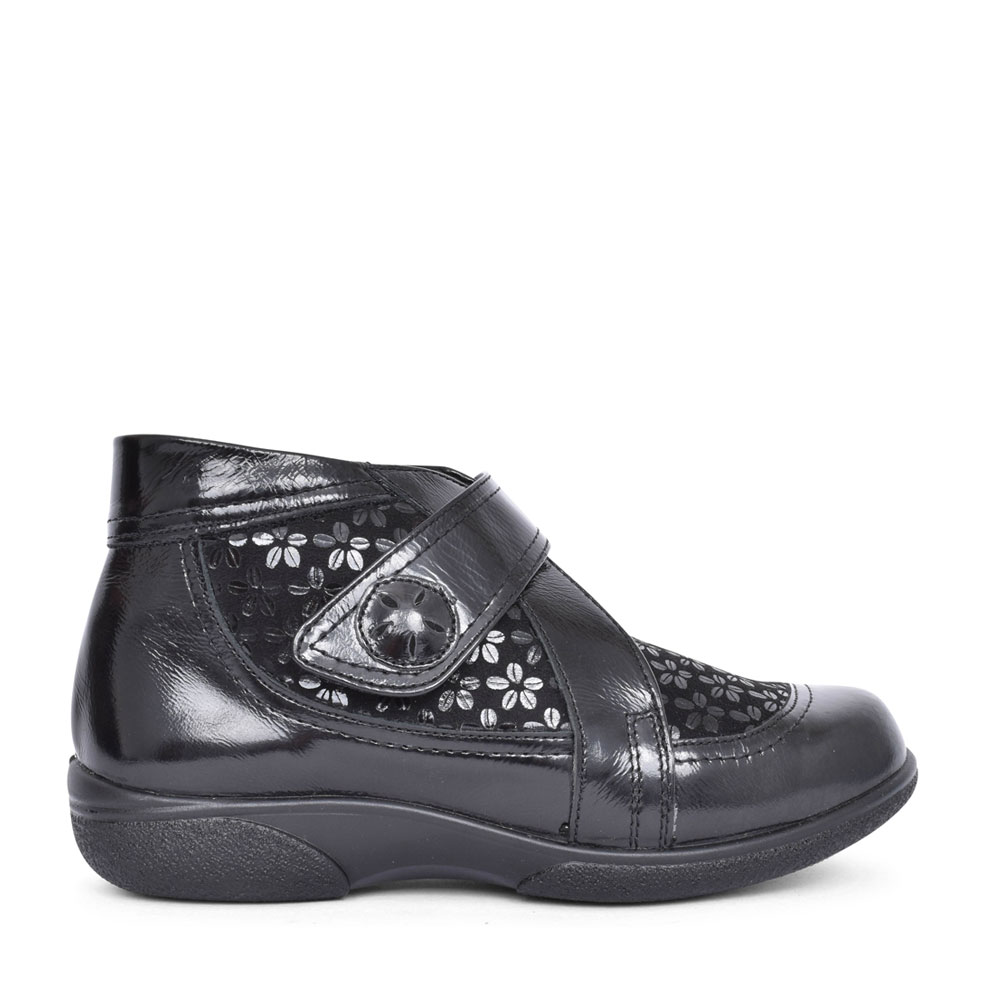 LADIES TAMWORTH 2V EXTRA WIDE VELCRO BOOT in BLK PATENT