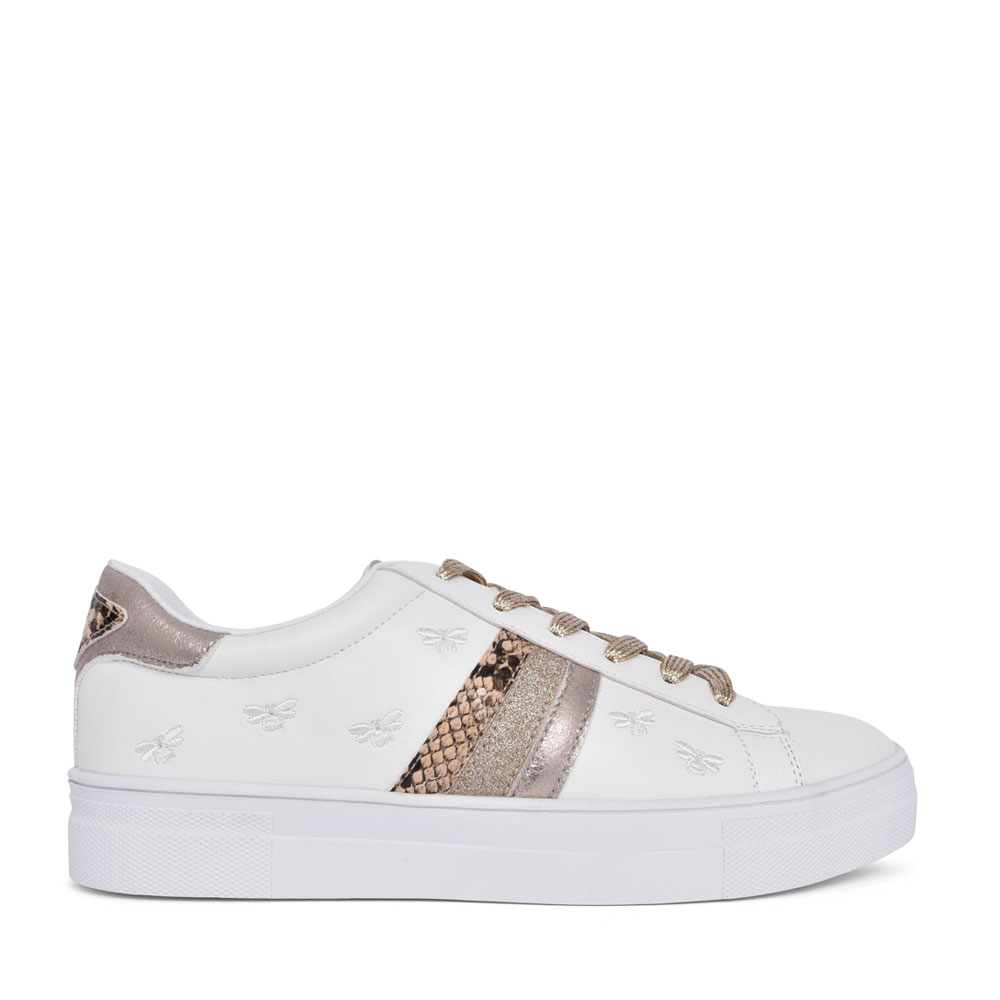 LADIES 97136 LACE UP SHOE in WHITE