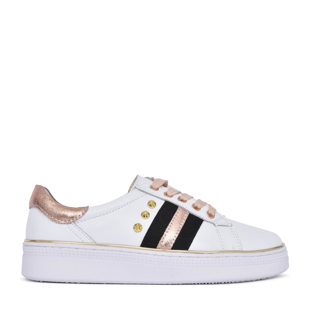 LADIES 407 LACE UP SHOE in GOLD