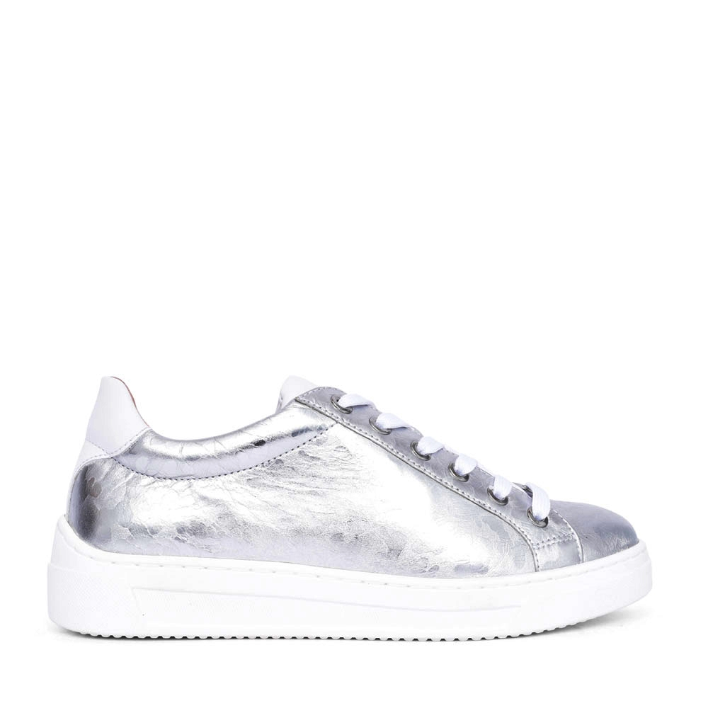 LADIES FASNIA LACE UP LEATHER SHOE in SILVER