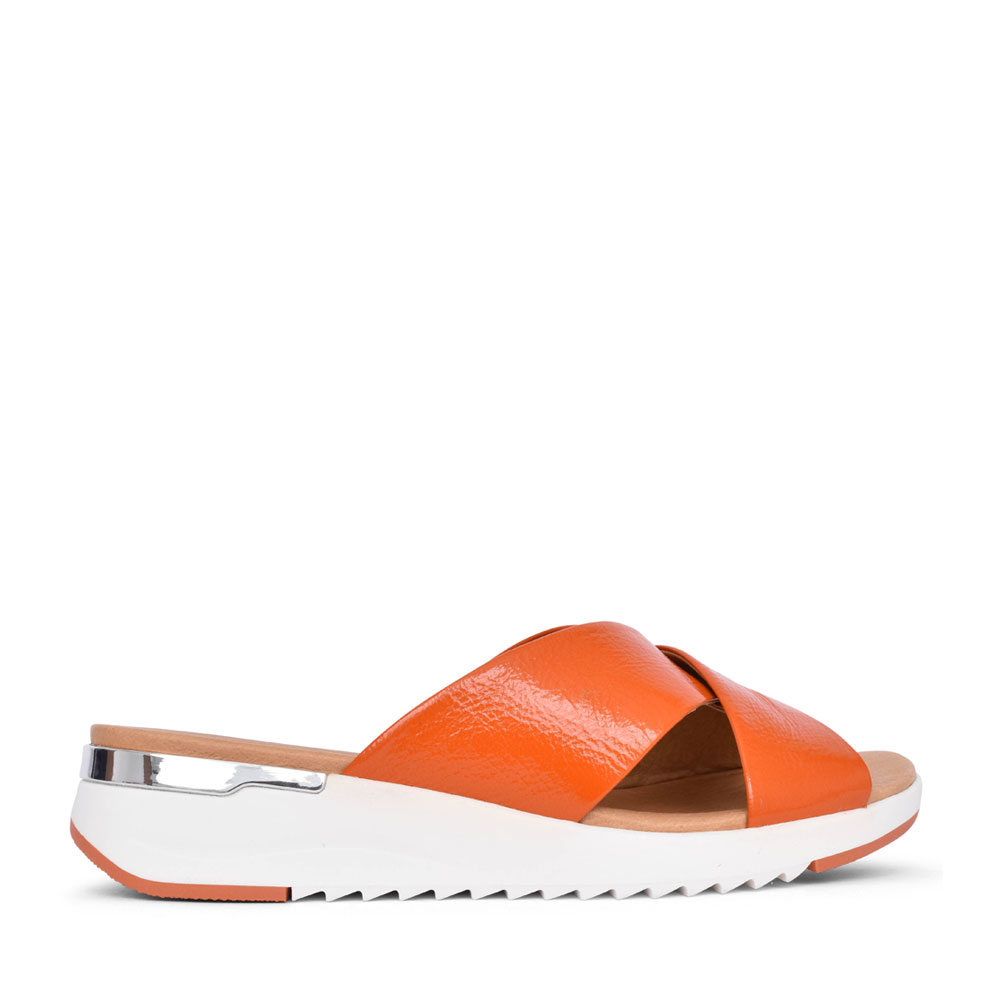LADIES 9-27200 WEDGE MULE in ORANGE