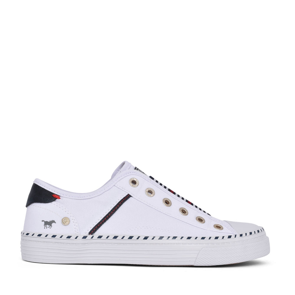 LADIES 1376401 SLIP ON SHOE in WHITE