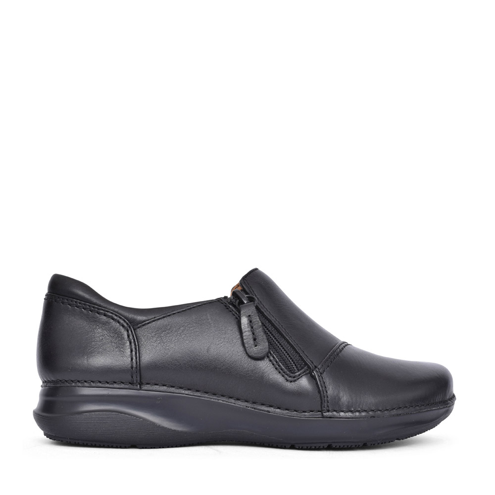 LADIES APPLEY ZIP LEATHER D-FIT SLIP ON SHOE in BLK LEATHER