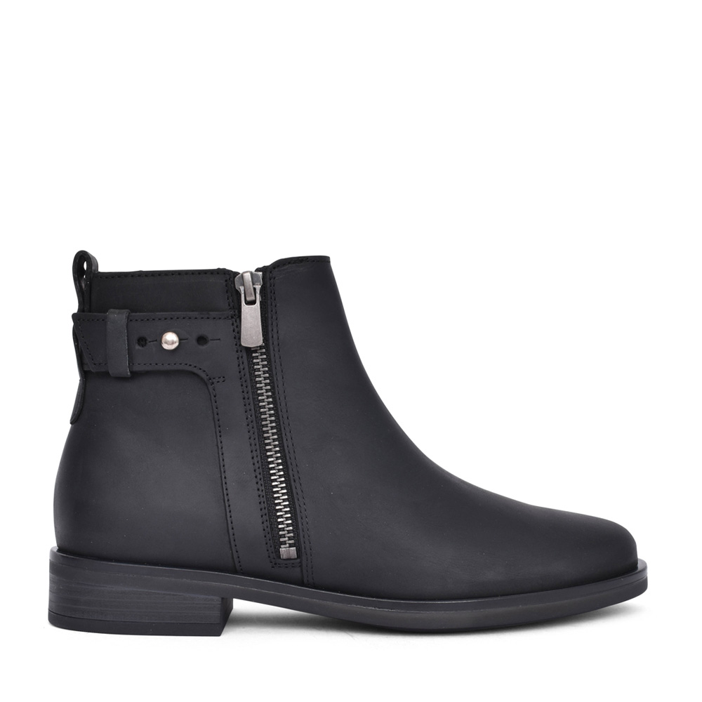 LADIES MEMI LO LEATHER D-FIT ANKLE BOOT in BLK LEATHER