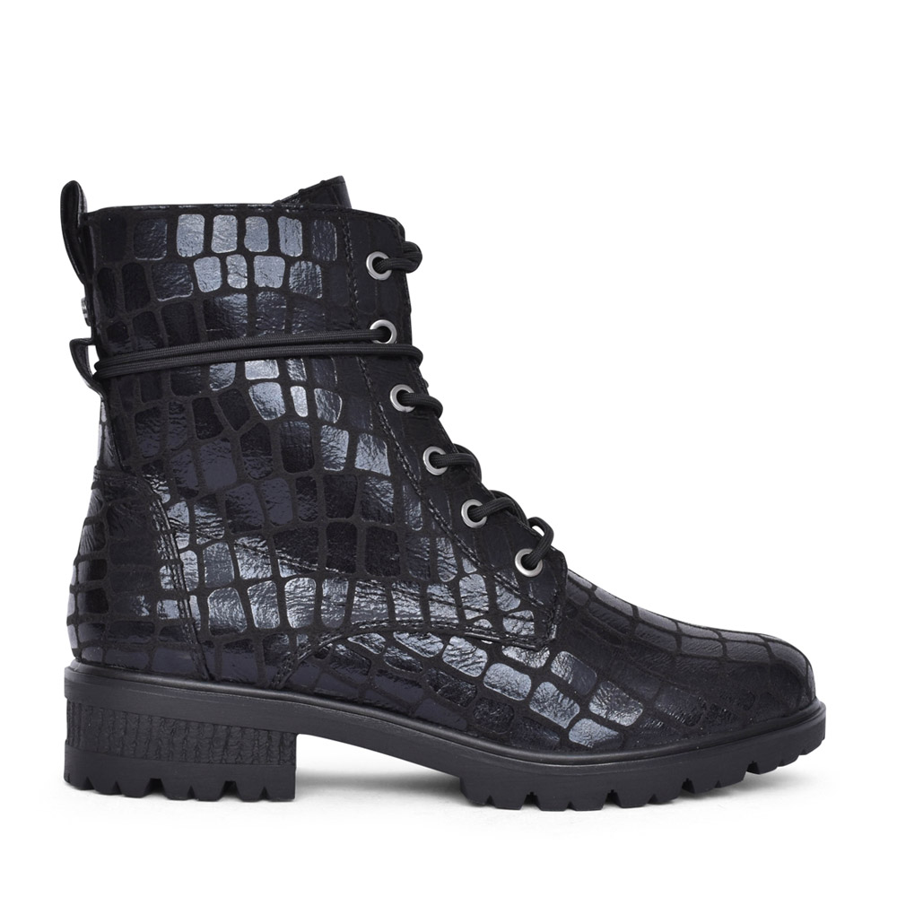 LADIES 1-25880 LACED BOOT in BLACK