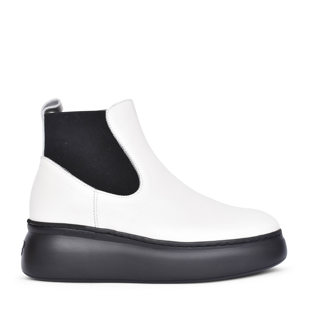 LADIES A-2604 PLATFORM CHELSEA BOOT in WHITE