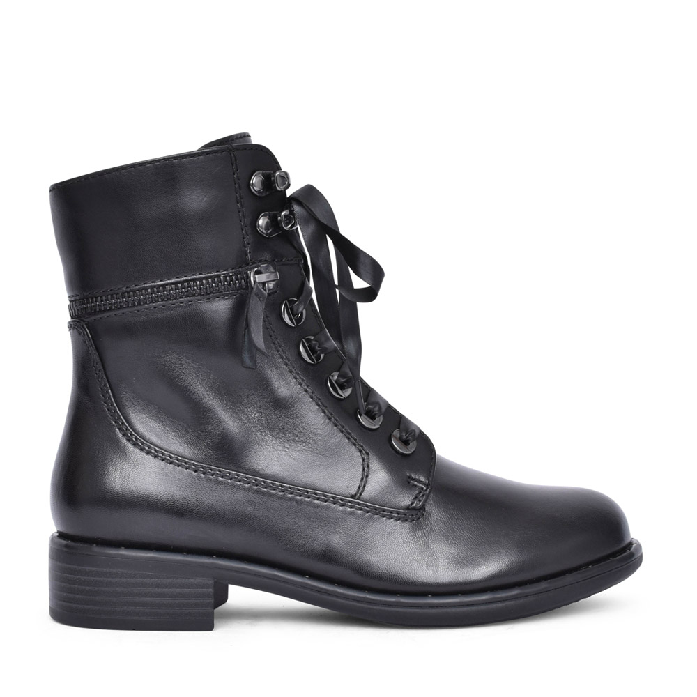 LADIES ROXANA-10 LACED CALF BOOT in BLACK