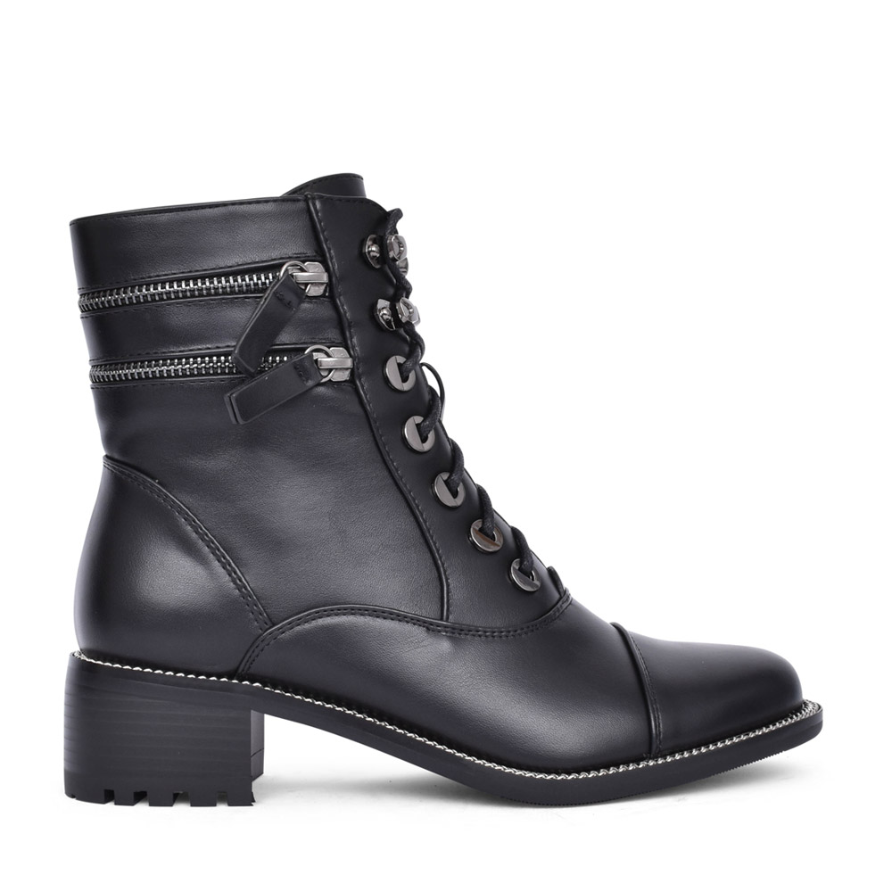 LADIES F2271 LACED BOOT in BLACK