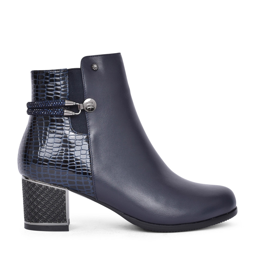 LADIES F1064A ANKLE BOOT in NAVY