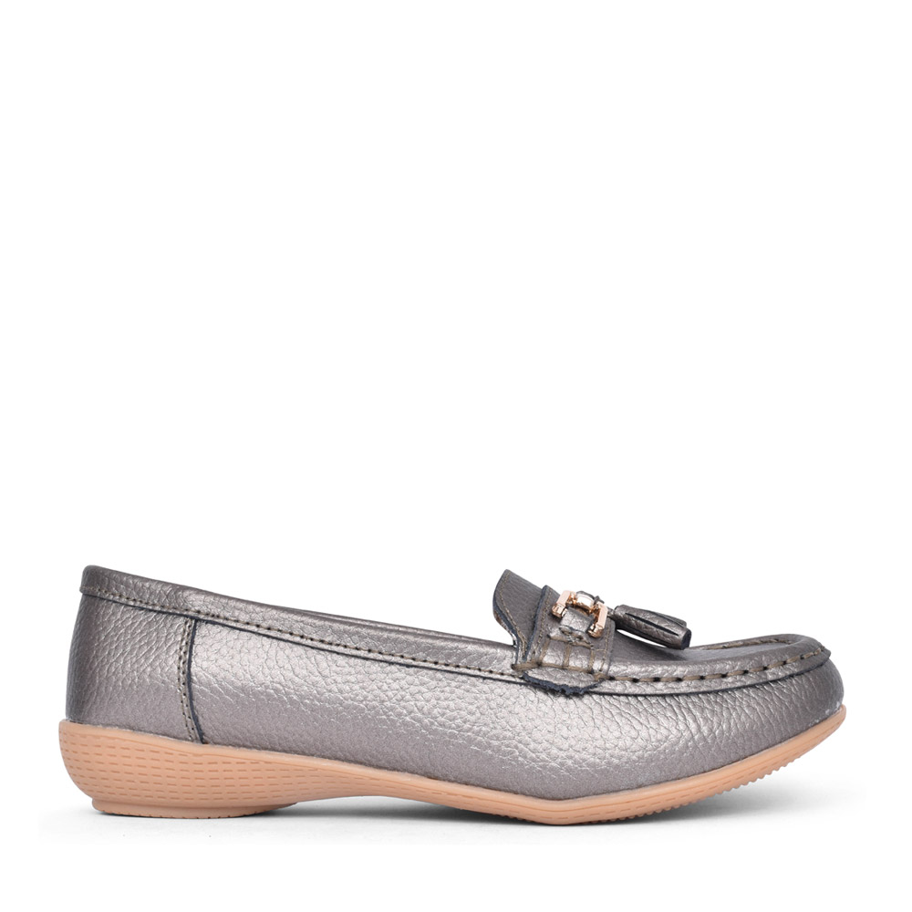 LADIES NAUTICAL LEATHER LOAFER in GREY